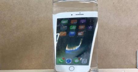 iPhone8涉水深一米半小时不是问题