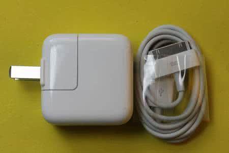 iPad原装充电器